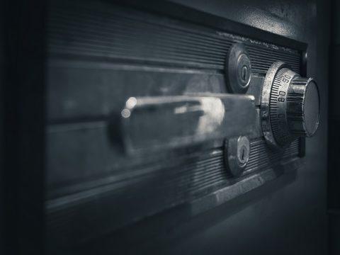 Pourquoi faire appel à un professionnel pour l'installation d'un coffre fort ?