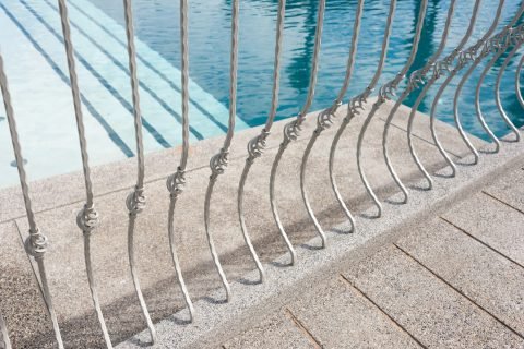 Mettre en place des barrières de sécurité autour de sa piscine